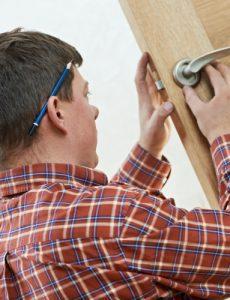 montaż drzwi fachowiec